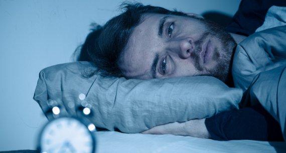 Tutti i rischi del dormire poco e male